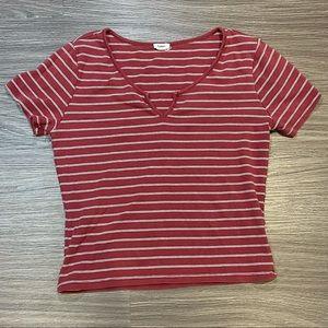 Garage Large Red Stripes V-cut crop Basic Shirt